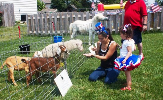 4 FAMILY PETTING ZOO