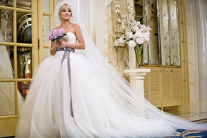 bride-wars-wedding-gown