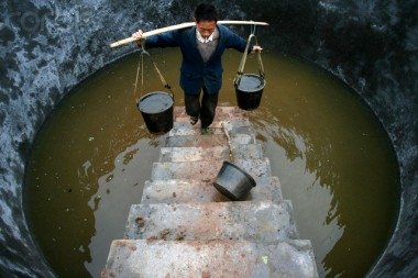 19 Nov 2006, Suining, China --- China - Energy - Water Collection - --- Image by © Reuters/Corbis