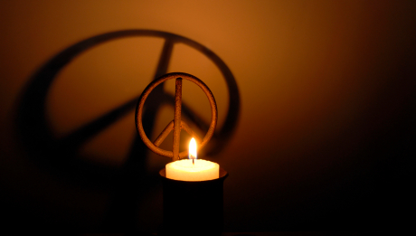 Peace-symbol-and-candle